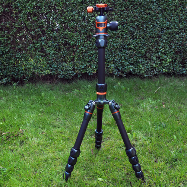 ePhotozine take a look at the Legends Ray Tripod